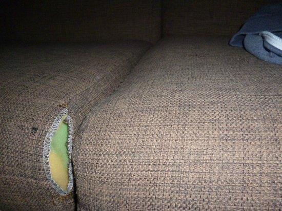 Hotel  Dunas Club: Torn upholstery
