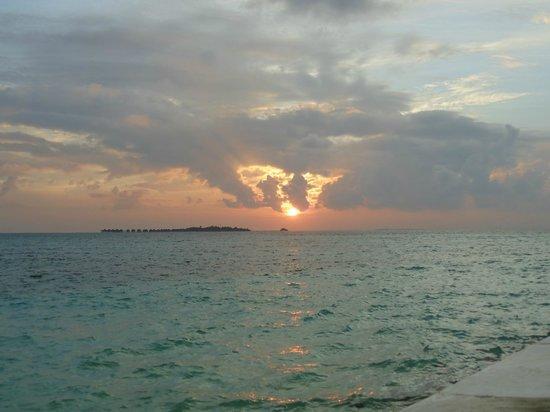 Velassaru Maldives: Sunrise