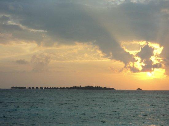 Velassaru Maldives : Sunrise