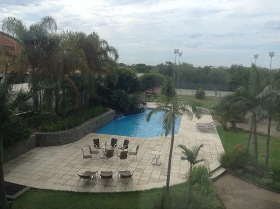Hotel Deville Prime Porto Alegre: vista do quarto