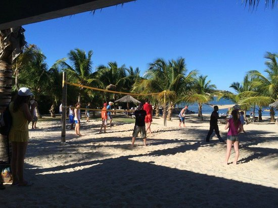 The Verandah Resort & Spa: Volleyball!