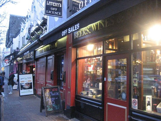 Lavery's Bar: Off Licence