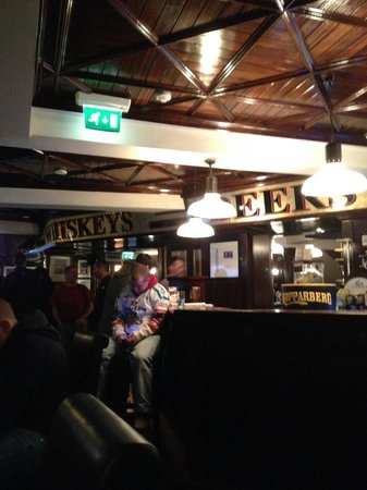 Lavery's Bar: Having a nap!!!
