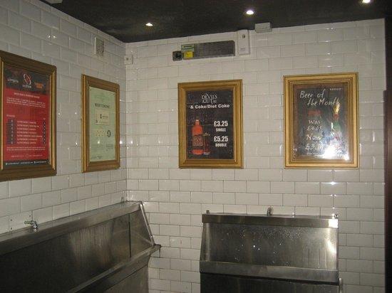 Lavery's Bar: The Jacks