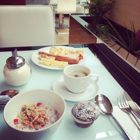 Grandior Hotel Prague: Breakfast