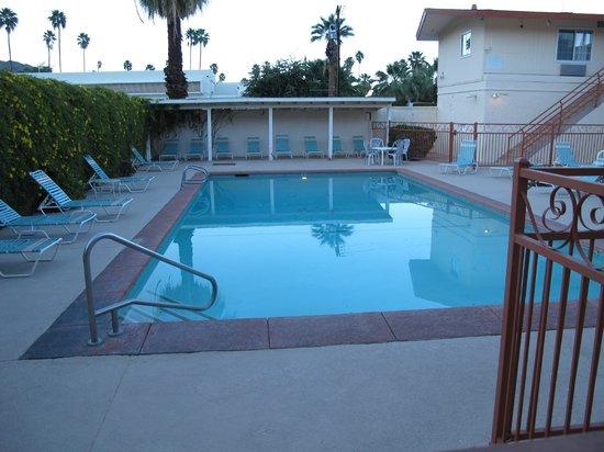 Knights Inn Palm Springs: plutôt grand et bien équipé