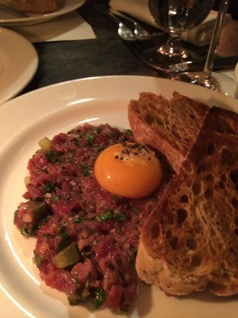 Dean Street Townhouse Hotel & Dining Room: beef tartare