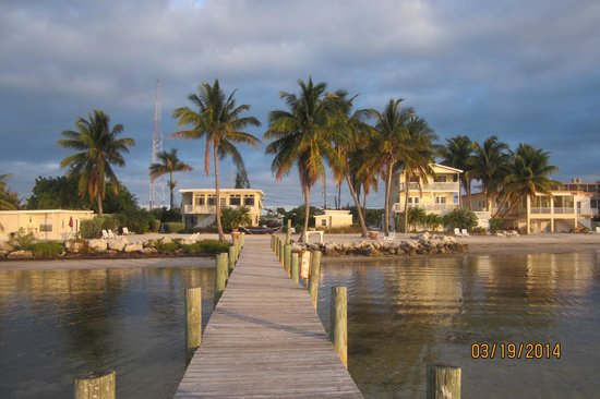 Yellowtail Inn: View from the pier of Yellow Tail Resort