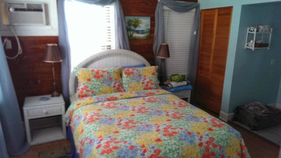 Seascape Tropical Inn: King Room