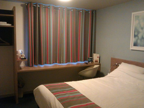 Travelodge London Central Euston: room