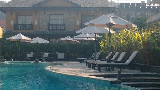 Temple Tree Resort & Spa: piscine