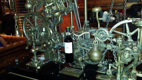 Fazenda Rodizio Bar and Grill: Bottle corker.  Fantastic piece of engineering.