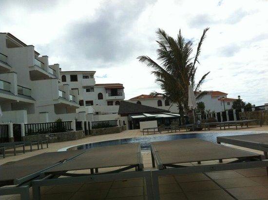 Hotel Roca Negra: En la piscina