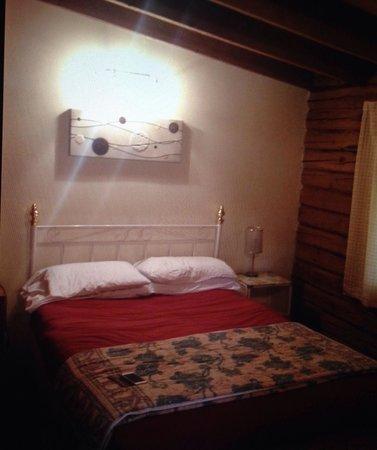 Altamount Chalets: Bedroom, cabin 13