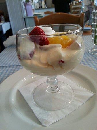 The Chronicle Restaurant: Lemon and strawberry Eton mess