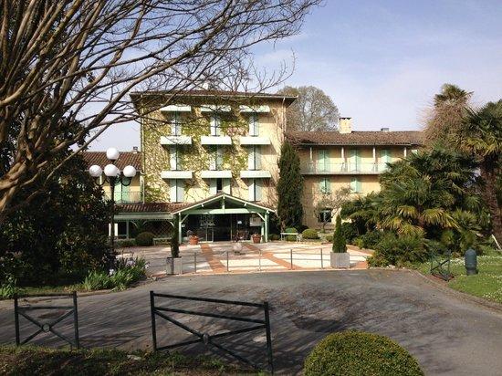 Domaine de Fompeyre : Façade de l'hôtel
