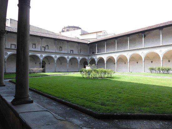 Basilica di Santa Croce: chiostro