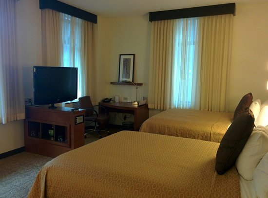Hyatt Place Des Moines Downtown: 2 queen room