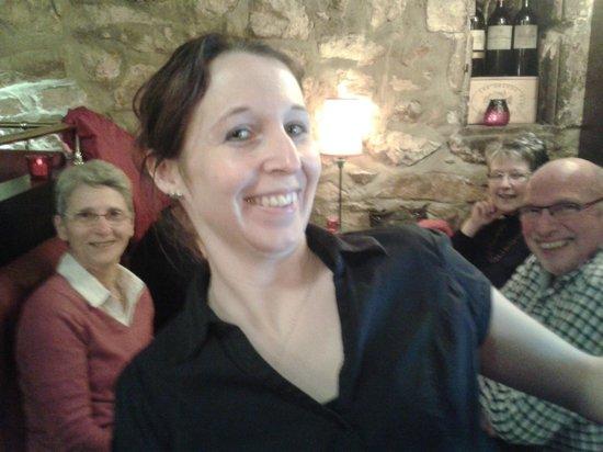 L'auberge des 7 plats : Stéphanie (notre serveuse): bonne humeur au menu !