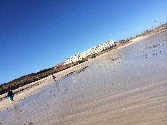 Braye Beach Hotel: Hotel from the beach