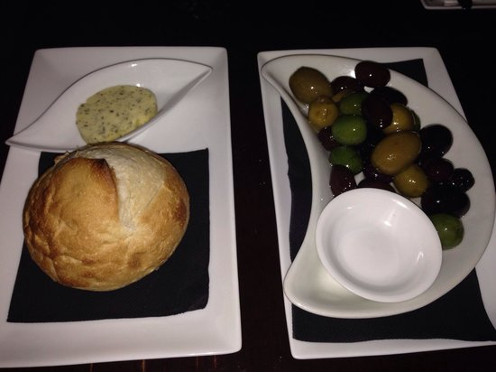 Oxford Social: Olive and bread