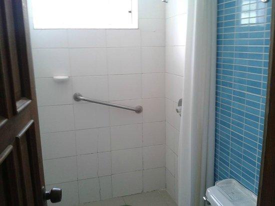 Cocoplum Beach Hotel : Banheiro