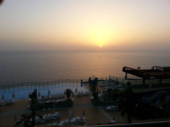 Gloria Palace Amadores Thalasso & Hotel : Sunset room view