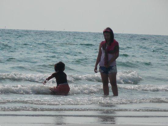 Laemya Inn: пляж