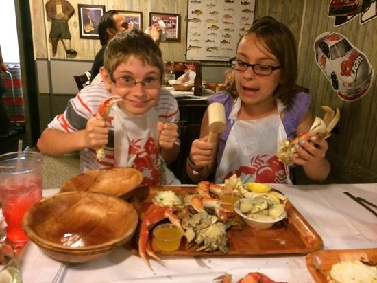 Rustic Inn Crabhouse : The kids shared a sampler platter and were thrilled with it.