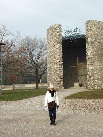 KZ-Gedenkstätte Dachau: DACHAU- CAPELA