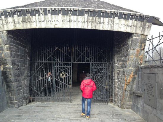 KZ-Gedenkstätte Dachau: DACHAU- AREA PARA CHEGADA DOS JUDEUS