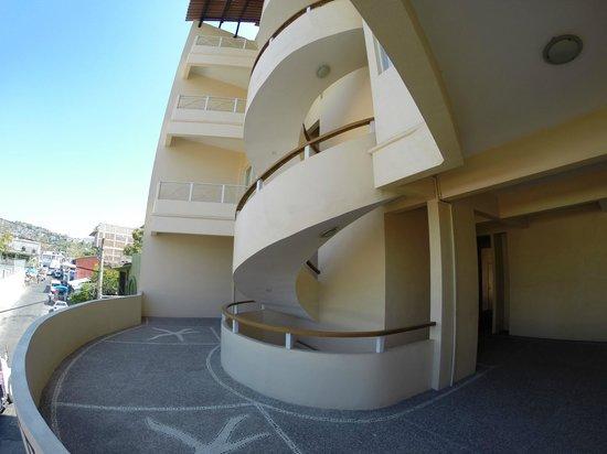 Hotel Zihua Express: Terraza / Terrace