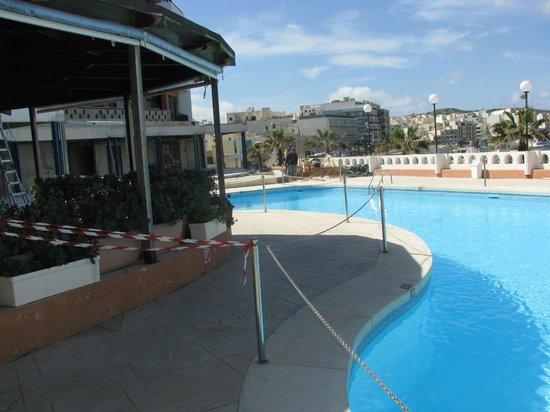 Dolmen Resort Hotel: Sperrung des Poolbereiches am Cafe