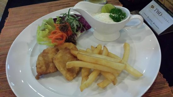 Bali Ayu Hotel: Fish & chips .... small portion, but very fresh & yummy!