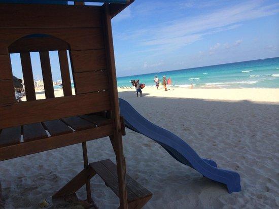 Apartamentos Cancun Plaza: Детская площадка