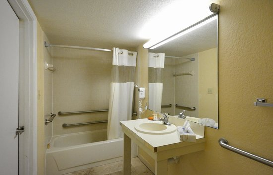 Claremont Kissimmee Hotel: Room 1320