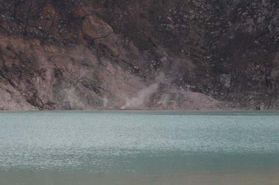 White Crater: Kawah Putih.... smoke...