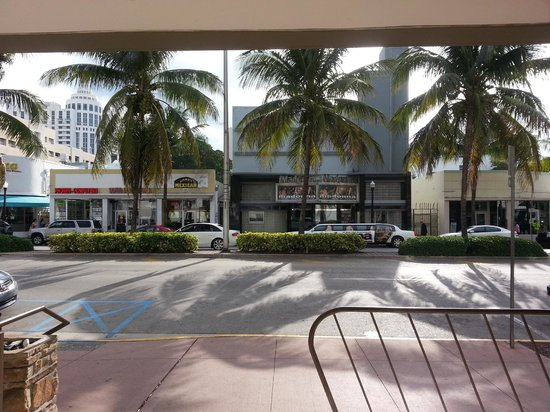 Courtyard Miami Beach South Beach : frente do hotel