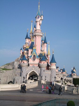 Disney's Hotel Cheyenne : castle