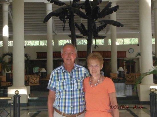 Grand Bahia Principe El Portillo : Gerard & Nicole ( This is us)