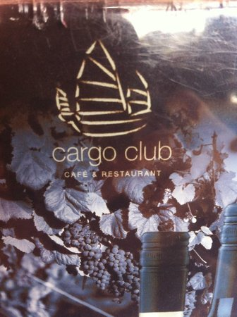 The Cargo Club : Super setting, great service, tasty cakes
