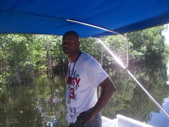 Travel Around Jamaica - Day Tours: Travel Around Jamaica Tour Driver