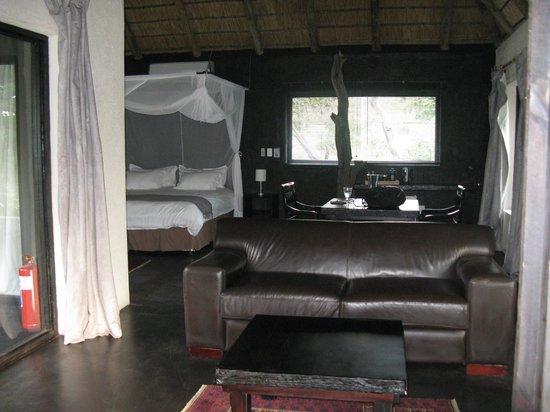 Ezulwini Game Lodges : River Lodge