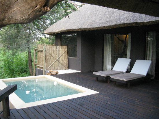 Ezulwini Game Lodges: River Lodge - Private Deck