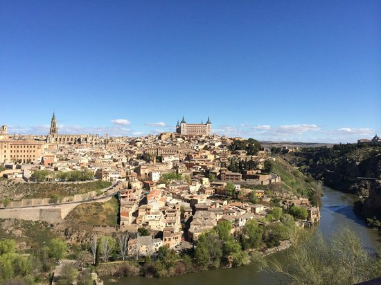 Madrid Day Tours: View of the walled city of Toledo