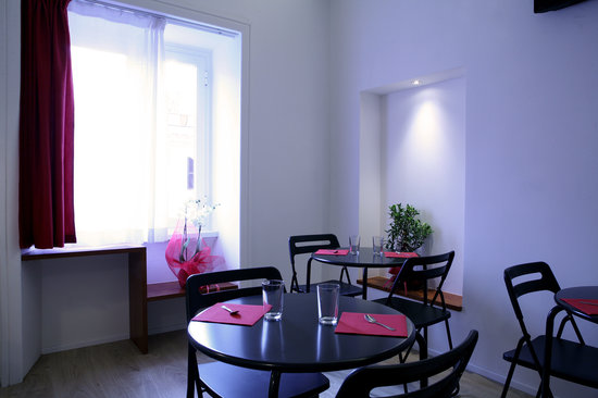 Why Not Roma Suites : Sala colazione