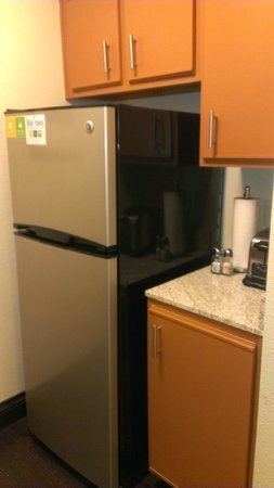 Hyatt House Dallas/Uptown: Adequate amenities for 'eating in'
