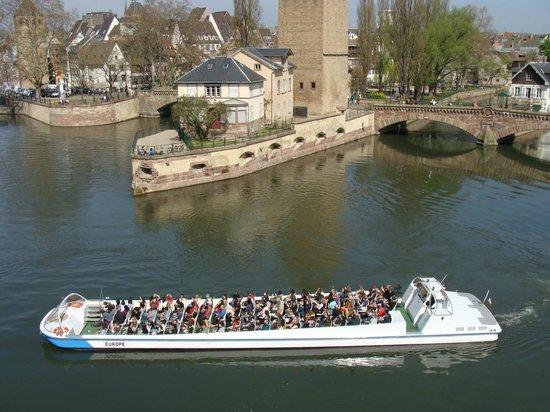 Batorama: Eines der Boote (ohne Dach)
