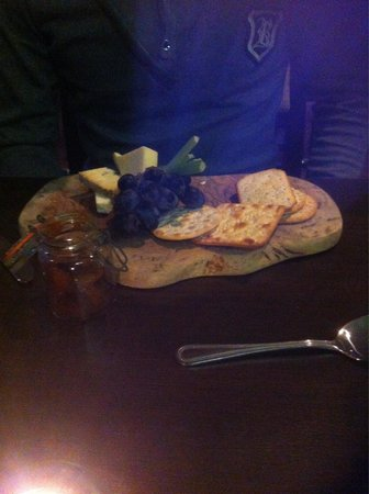 Hallmark Hotel Hull: Cheese board - dessert