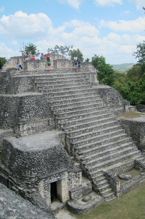 Ruinas Mayas de Caracol: The top portion of Caana